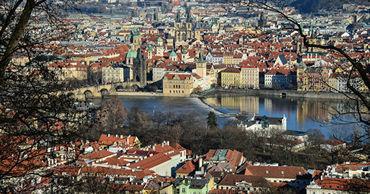 Чехия откроет границы с Австрией и Германией.