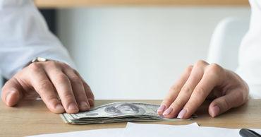 Почти 60% госслужащих считают, что в Молдове существует коррупция.