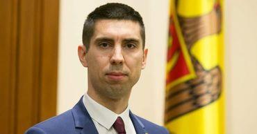 Вице-спикер, депутат Партии действия и солидарности (PAS) Михай Попшой.
