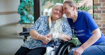 В США две сестры нашли друг друга спустя полвека благодаря коронавирусу.