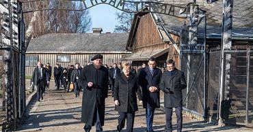 Меркель впервые посетила концлагерь в Освенциме.