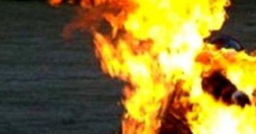 В Хынчештском районе возле погибшей при пожаре женщины была найдена бутылка с керосином.