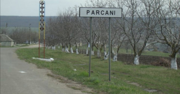 Грузовому транспорту массой свыше 12 тонн запрещен въезд в Парканы
