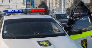 За попытку подкупа полицейских двум водителям грозят тюрьма и штрафы.