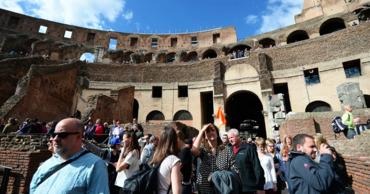 В Италии задержали туриста, нацарапавшего инициалы на стенах Колизея.