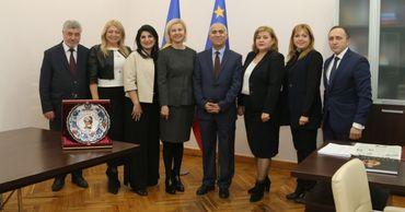 Башкан Гагаузии встретилась с делегацией из Азербайджана и ТЮРКСОЯ.