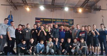 Десятки боксеров со всей страны приехали на сборы в Комрат.