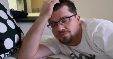 Харламов выложил видео концовки своей беседы со злоумышленником.