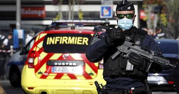Вооруженный ножом мужчина убил трех человек в церкви Нотр-Дам в Ницце.