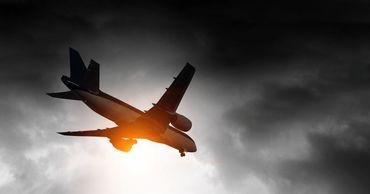 В Стамбуле приземлился самолет, пилот которого потерял сознание.