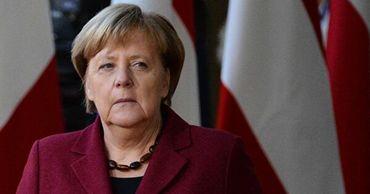 """Меркель рассказала о """"глубоком стыде"""" за преступления нацизма."""