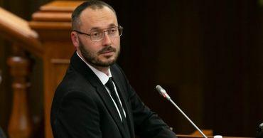 Депутат от ПДС Сергей Литвиненко.