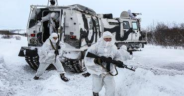 В Арктике начались крупные военные учения.