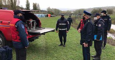 Более 250 спасателей и пожарных Молдовы подняли по тревоге.