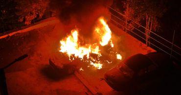 На Чеканах автомобиль превратился в пылающий факел.