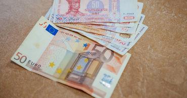 Предложение валюты в августе покрыло спрос на нее в Молдове на 113,7%.