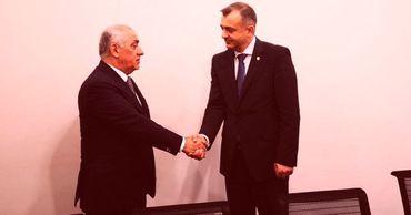 Молдавский премьер встретился со своим азербайджанским коллегой.