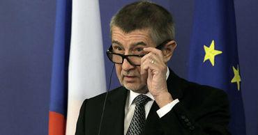Премьер Чехии отверг предложение Германии о разделении мигрантов в ЕС.