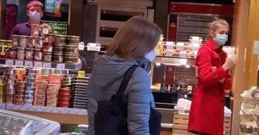 Майя Санду вышла за покупками в магазин без охраны и кортежа.