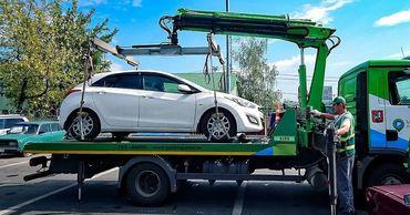 В Молдове начнут массово эвакуировать неправильно припаркованные машины.