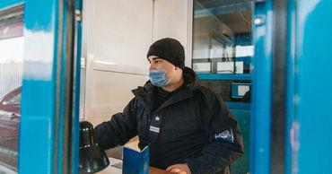 Пассажир автобуса, следовавшего в Польшу, предъявил положительный тест на COVID.