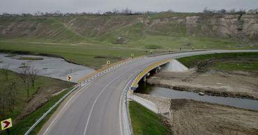 Общая стоимость работ составляет более 204 млн леев, которые выделил Дорожный фонд.