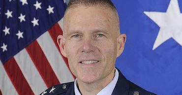Генерал-лейтенант в отставке Стивен Кваст.