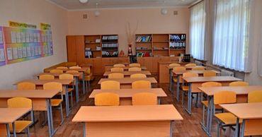 На поборы в школах можно жаловаться директору, властям и НЦБК.