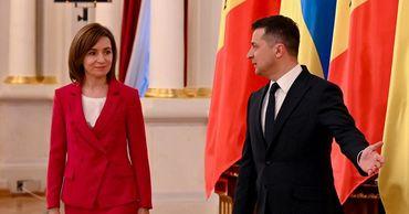 Зеленский пригласил Санду на саммит Крымской платформы и День Независимости.