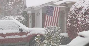 Из-за резкого похолодания закрыты многие школы и предприятия.