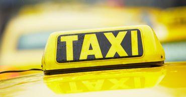 В Тирасполе во время движения загорелось такси.