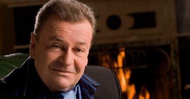 Умер известный молдавский певец Штефан Петраке.