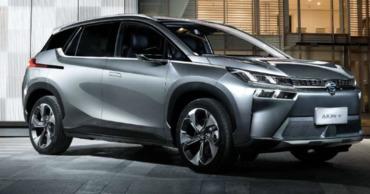 Компания CAG Aion показала технологию зарядки электромобиля за 8 минут.