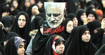 Глава МИД Ирана заявил о близости страны к войне с США после убийства Сулеймани