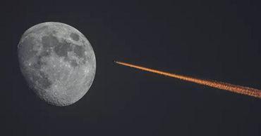 """Одна из проб грунта будет доставлена с помощью российской лунной станции """"Луна-28""""."""