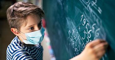 Глава Оргеевского района просит возобновить занятия в школах.