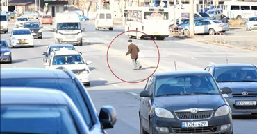 """НИП опубликовал очередную """"коллекцию"""" пешеходов-нарушителей."""