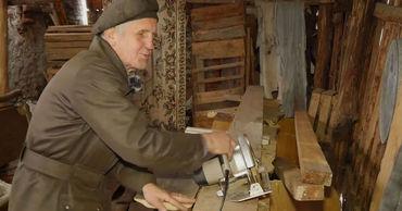 Слепой пенсионер самостоятельно построил дом под Рязанью.