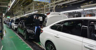 Toyota временно закроет пять автозаводов.