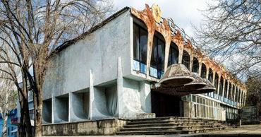 Отменено разрешение на строительство многоэтажного центра на месте кафе Guguță.