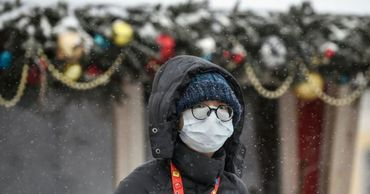 Вирусолог оценил влияние холода на заболеваемость COVID-19.