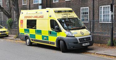 Британский подросток умер от инсульта после резкого поворота головы.