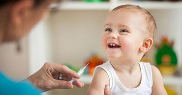 Народный адвокат рекомендует родителям вакцинировать своих детей.