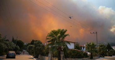 Пять вертолетов молдавской компании задействованы в тушении пожаров в Турции.