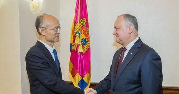 Додон пригласил партнеров из КНР участвовать в реализации проектов.