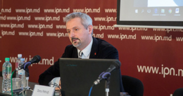 Петруци: Избиратели левых партий не стали отвечать на вопросы экзитпола.