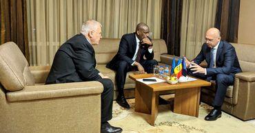 Лидеры ДПМ провели встречу с послом США.