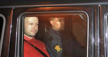 Норвежский радикал Брейвик, убивший 77 человек, попросил об УДО.