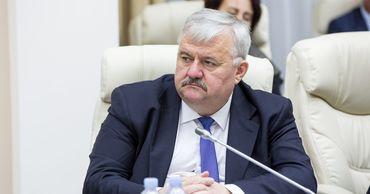 Министр образования Игорь Шаров.