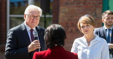 Штайнмайер лично поблагодарил гражданку Молдовы в Берлине за ее работу.